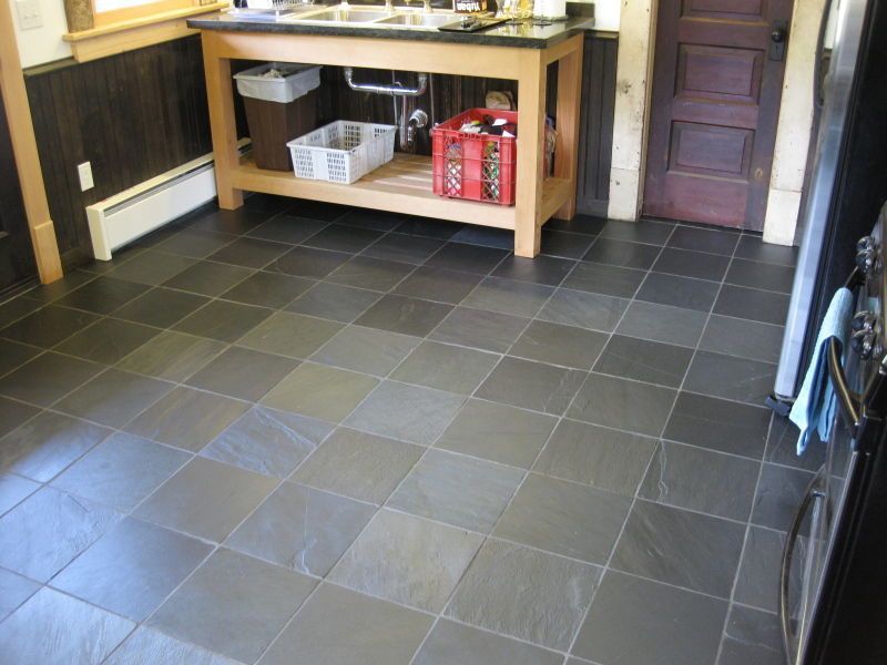 Slate kitchen flooring afreakatheart for Kitchen and floor tiles